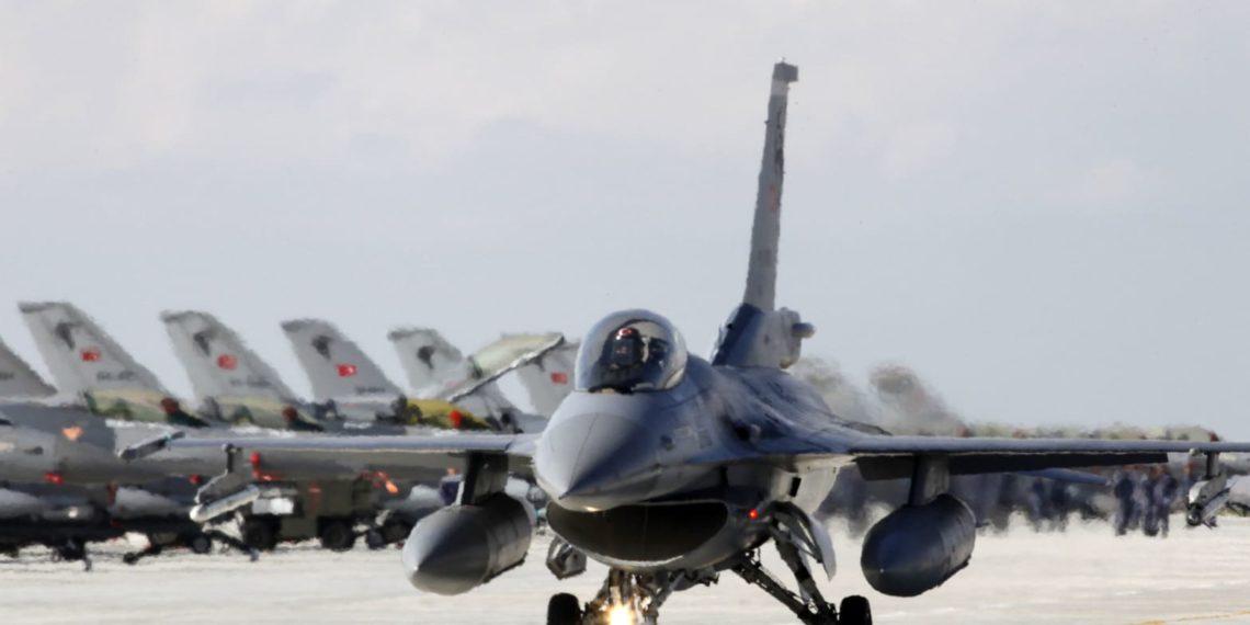 Η τουρκική Πολεμική Αεροπορία βομβάρδισε περιοχές στο βόρειο Ιράκ (vid)