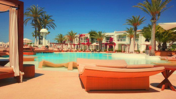 Δείτε τα υγειονομικά πρωτόκολλα για τις τουριστικές επιχειρήσεις – Τι ισχύει για τα ξενοδοχεία
