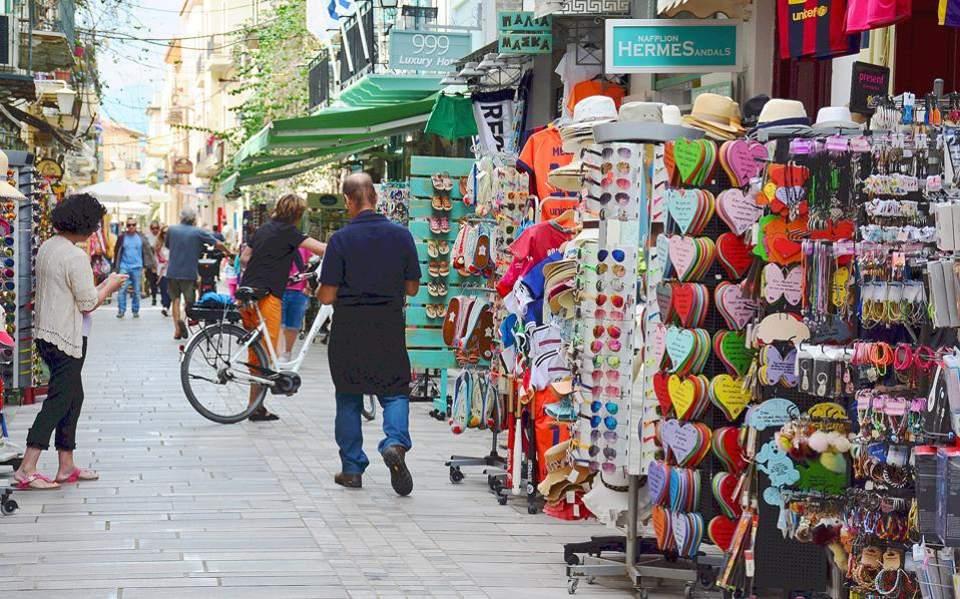 «Μουδιασμένη» η Θεσσαλονίκη – Υποτονική η κίνηση την πρώτη ημέρα επαναλειτουργίας του λιανεμπορίου