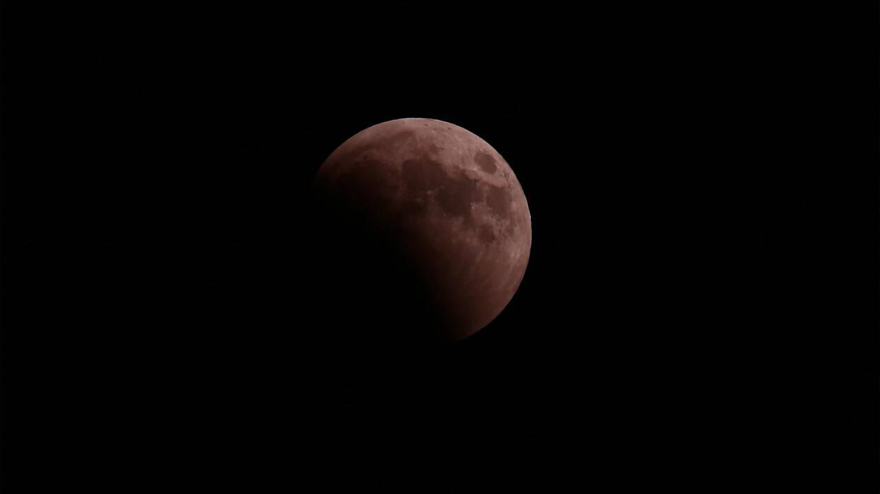 Πανσέληνος και έκλειψη παρασκιάς Σελήνης την Παρασκευή – Ορατή και από την Ελλάδα