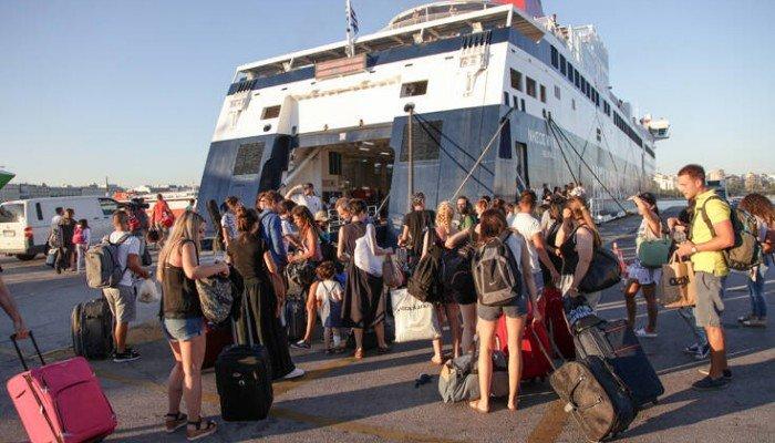 Το νέο πρόγραμμα κοινωνικού τουρισμού: Επιδότηση ακτοπλοϊκών εισιτηρίων