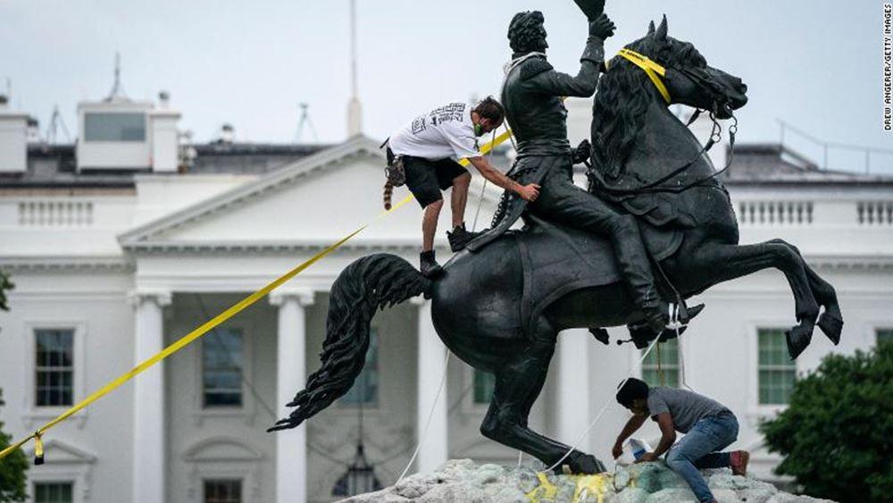 ΗΠΑ: Ποινική δίωξη εναντίον διαδηλωτών που προσπάθησαν να ρίξουν άγαλμα