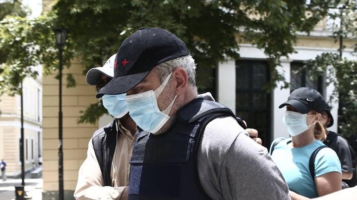 """""""Μαϊμού""""- γιατρός - Ξεσπούν τα θύματά του: Του έδωσα 98.000 ευρώ, ήθελε να μου πάρει και το σπίτι"""