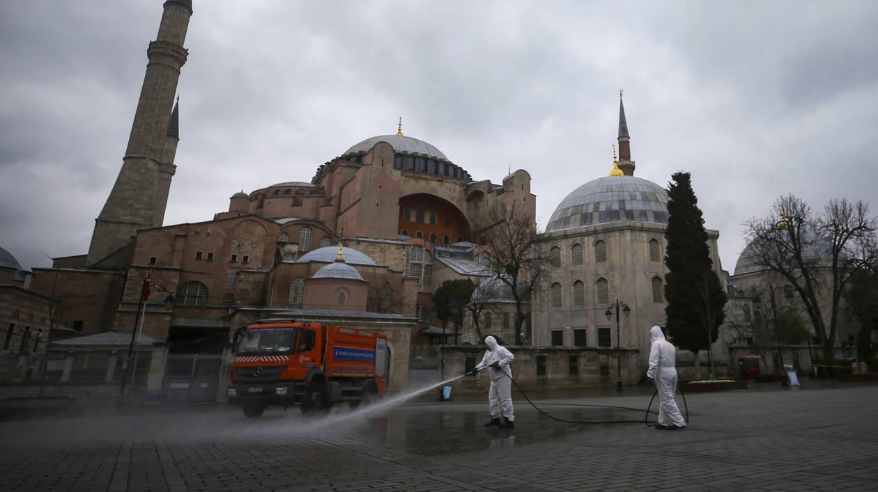 Στο «κόκκινο» οι τουρκικές προκλήσεις: Οι απειλές, η στάση της Αθήνας και η πολιτική κόντρα