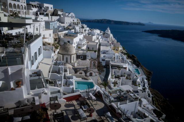 Κοροναϊός: Φόβοι για έκρηξη των κρουσμάτων από ξένους τουρίστες