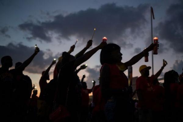 Το Χιούστον αποχαιρετά τον Τζορτζ Φλόιντ: Με δρακόντεια μέτρα και πλήθος κόσμου η κηδεία