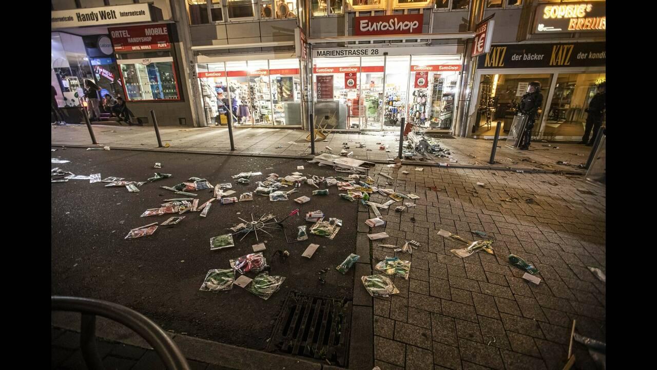 Νύχτα βίας στη Στουτγκάρδη: Φθορές καταστημάτων και επιθέσεις κατά της αστυνομίας