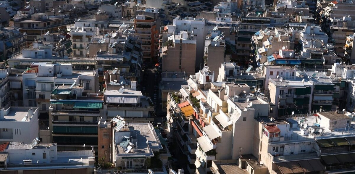 Ακίνητα: Ποιοι κινδυνεύουν με πρόστιμα - Τι αλλάζει για ιδιοκτήτες και ενοικιαστές