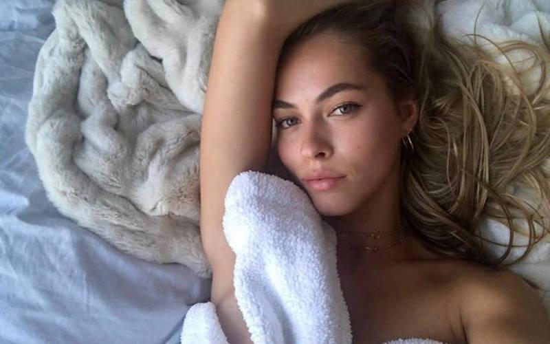 Η Caroline Kelley είναι το καυτό κορίτσι του Instagram