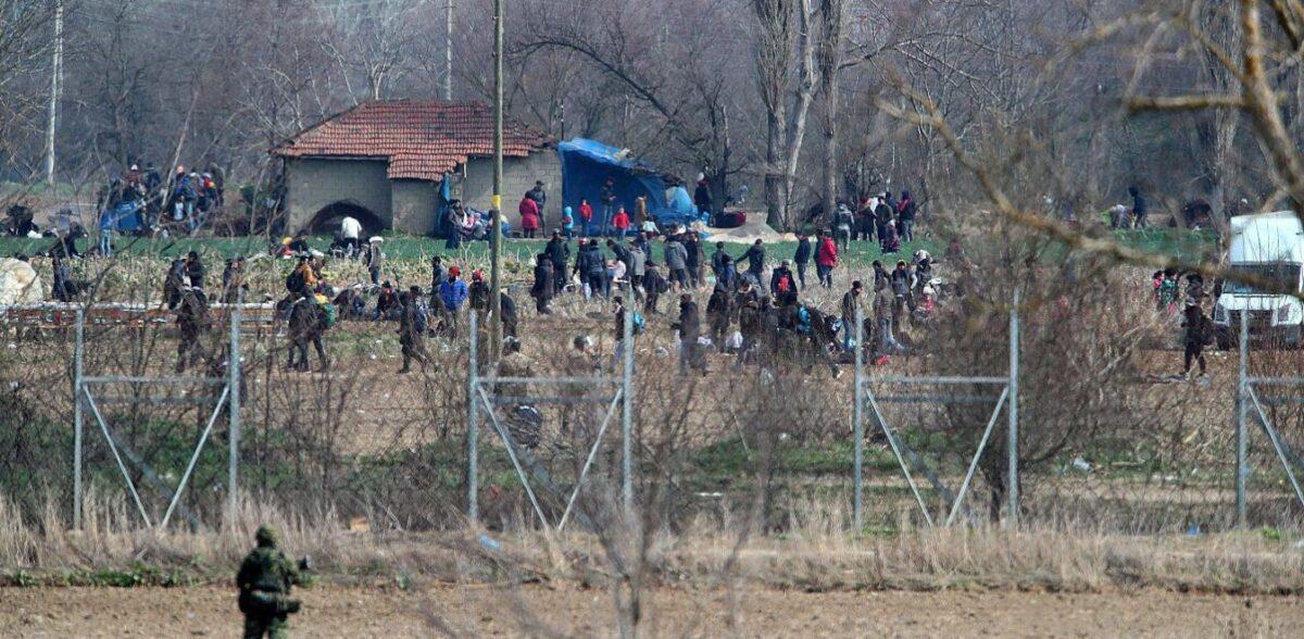 Τουρκικά ΜΜΕ: Ξανάρχισαν οι ροές μεταναστών προς τον Έβρο