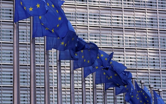 Eurogroup: Ξεκινούν δύο παράλληλες μάχες