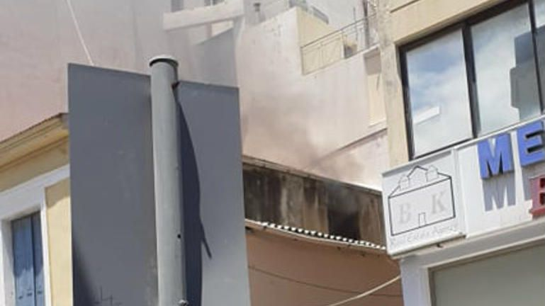 Φωτιά σε καφενείο στο κέντρο του Ηρακλείου