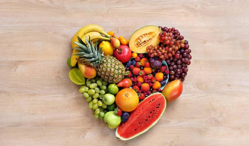 H καλύτερη ώρα για να τρώμε φρούτα