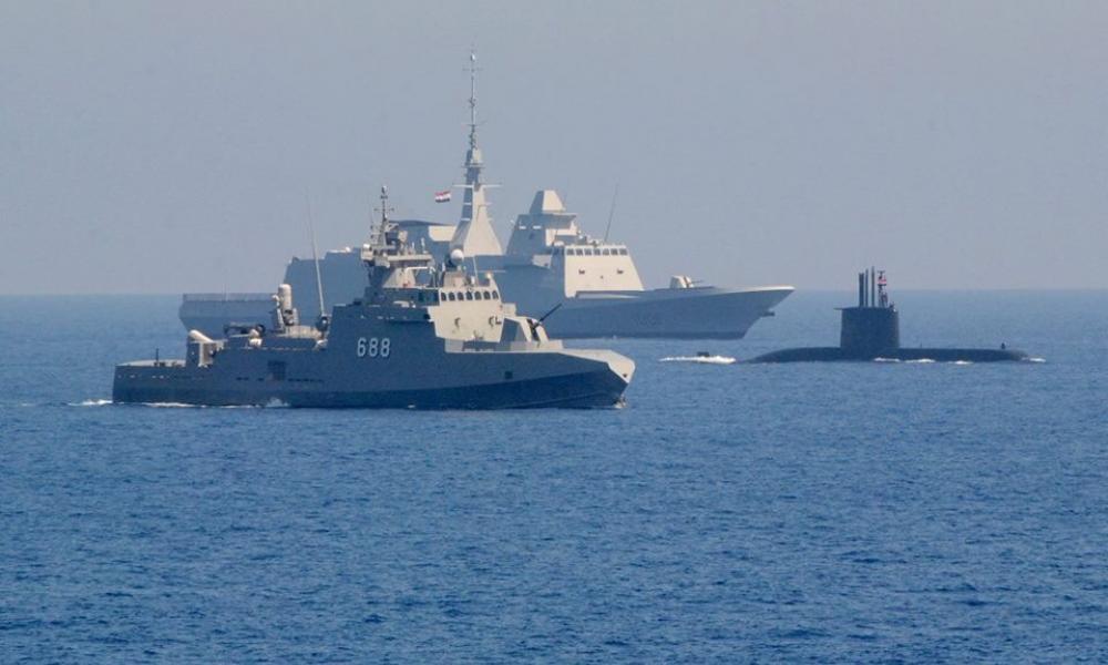 """Προς """"ανάφλεξη"""" – Ναυτική & αεροπορική βάση στήνει η Τουρκία σε Μισράτα & Αλ Βατίγια"""