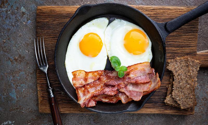 Κορεσμένα λιπαρά: Τι προκαλεί μόλις ένα γεύμα στον εγκέφαλο (έρευνα)