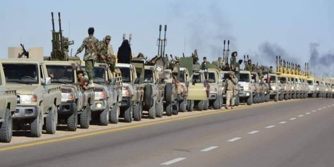 Λιβύη: Ο στρατός του Χάφταρ παίρνει θέσεις για μάχη στην Σύρτη