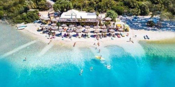 Το μυστικό διέρρευσε: Το μικρό ελληνικό νησί με τις 30 top -class παραλίες που προτιμούν οι big spenders
