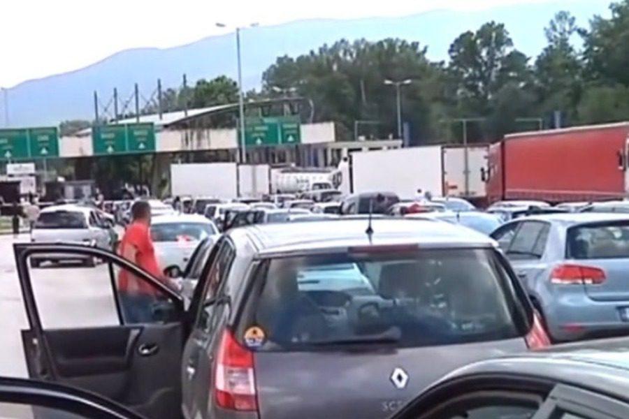 Ουρές που φτάνουν στα 10 χιλιόμετρα στα ελληνοβουλγαρικά σύνορα στον Προμαχώνα