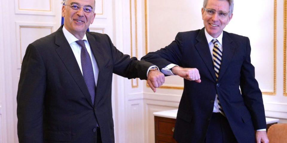 Πάιατ: Τα νησιά διαθέτουν υφαλοκρηπίδα και ΑΟΖ – Νέο μήνυμα στη Τουρκία μετά τη συνάντηση με Δένδια