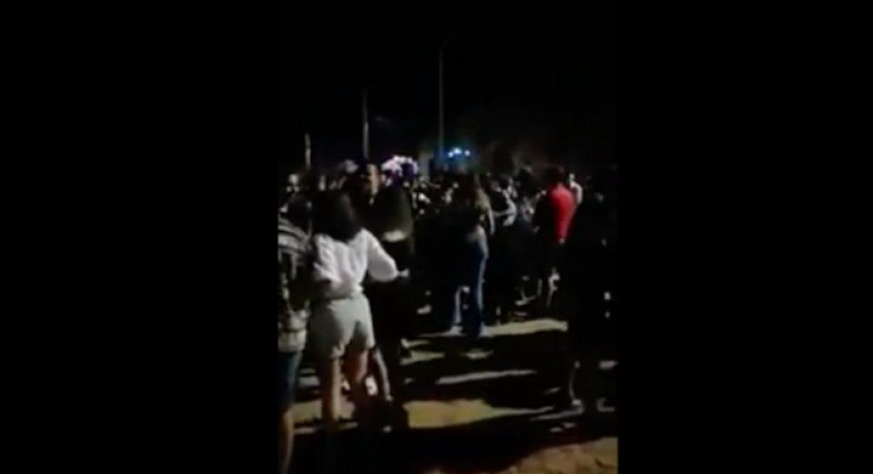 Κορωνοϊός: Συναγερμός στην Πάτρα για υπαίθριο πάρτι με πάνω από 1.000
