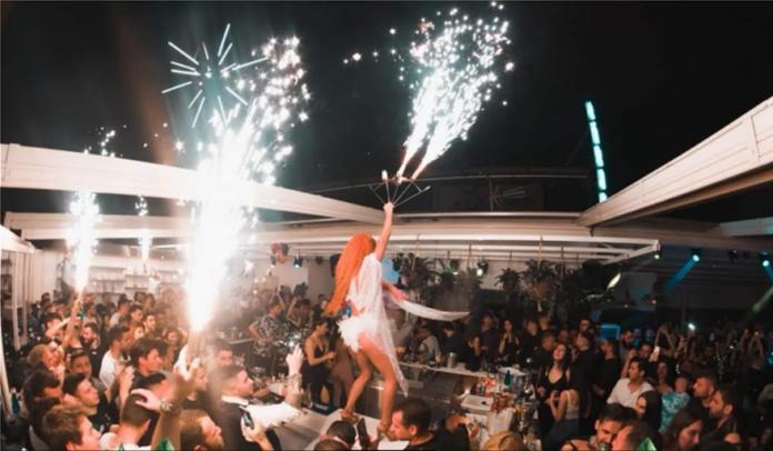 Σαρωτικοί έλεγχοι για πάρτι στα beach bars