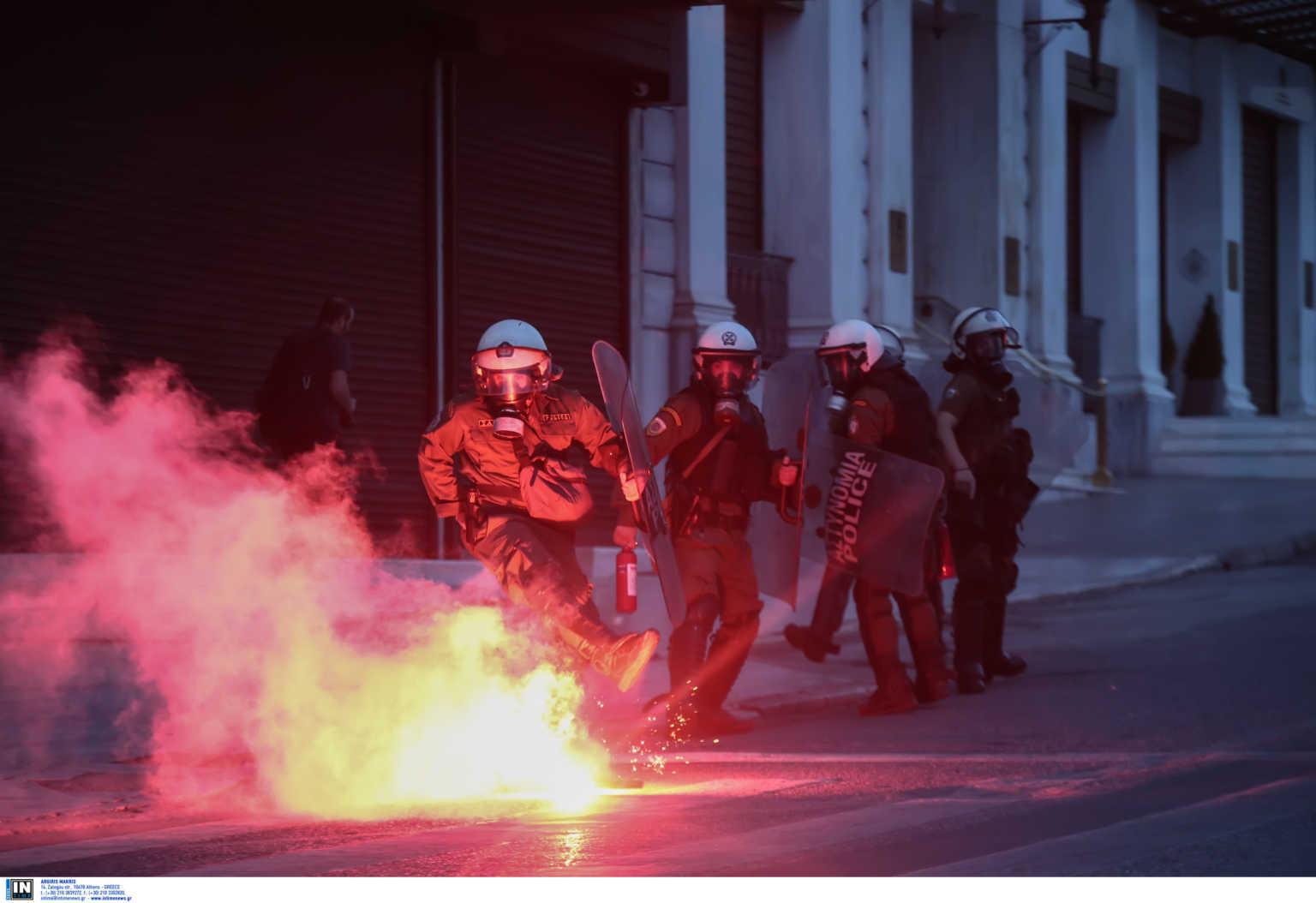 Ένταση στο κέντρο της Αθήνας μετά την πορεία για τη δολοφονία Φλόιντ