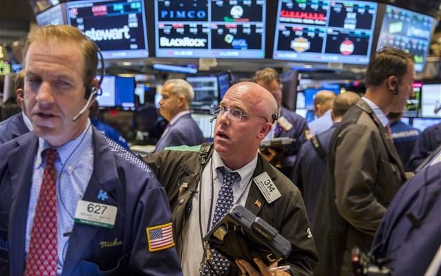 Αγορές μετοχών: Γιατί ανεβαίνουν κόντρα στο χάος