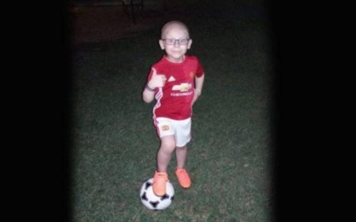 «Ξύπνησε, χαμογέλασε και μας αποχαιρέτησε» – Θλίψη για τον θάνατο του 8χρονου Χρήστου