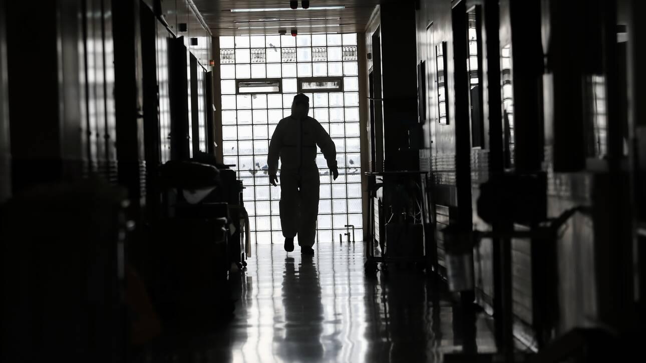 Κορωνοϊός: Τα πρώτα αποτελέσματα στην Ελλάδα από τη χορήγηση πλάσματος ιαθέντων σε ασθενείς