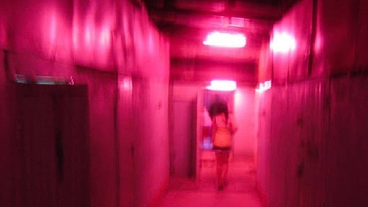 "AFP: Η πορνεία στην Ελλάδα μετά την καραντίνα μοιάζει με ""ρώσικη ρουλέτα"" – Τι αποκαλύπτουν ιερόδουλες"