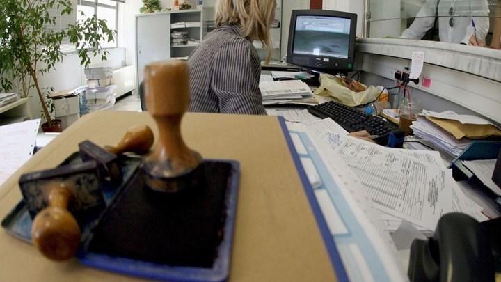 Κορονοϊός: Υποχρεωτική η χρήση μάσκας στο Δημόσιο - Δείτε την εγκύκλιο