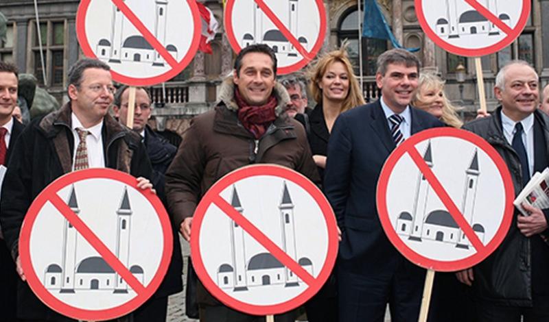 Η Αυστρία καταπολεμά το πολιτικό Ισλάμ κλείνοντας τζαμιά και διώχνοντας ιμάμηδες