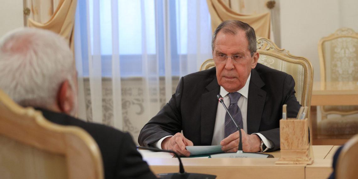 Στην Κύπρο ο Λαβρόφ – Δέσμευση Πούτιν να παρέμβει στον Ερντογάν για μείωση της έντασης