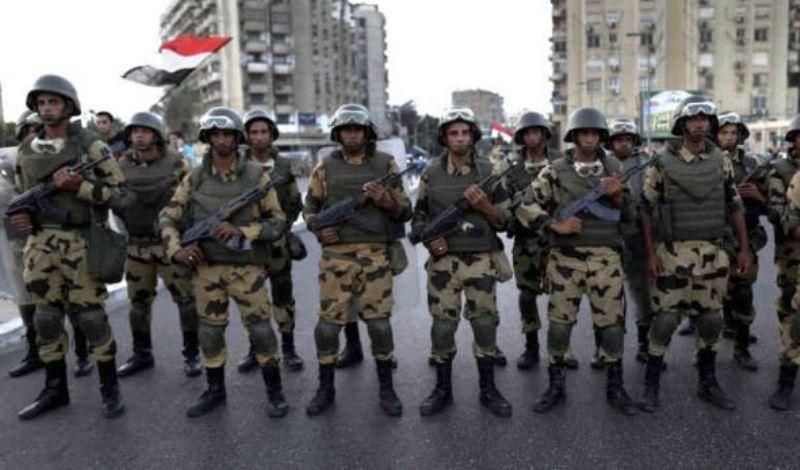 Η Αίγυπτος στέλνει στρατεύματα στη Λιβύη