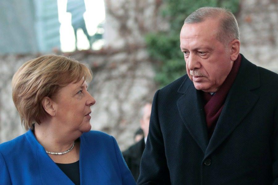 Παρέμβαση Μέρκελ στον Ερντογάν