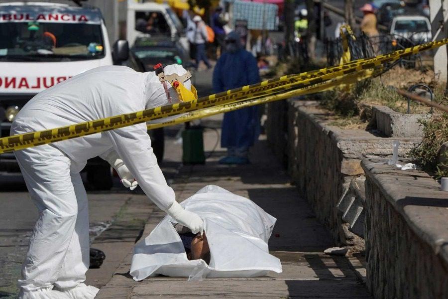 Φρίκη: Μάζεψαν πάνω από 400 πτώματα από δρόμους και σπίτια σε πέντε μέρες