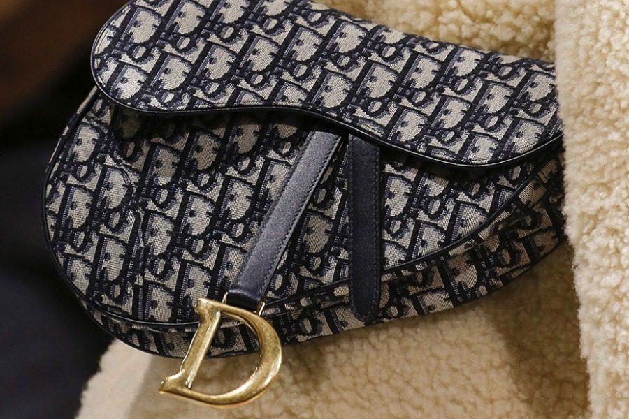 Πώς θα καταλάβεις αν μια Dior τσάντα είναι fake
