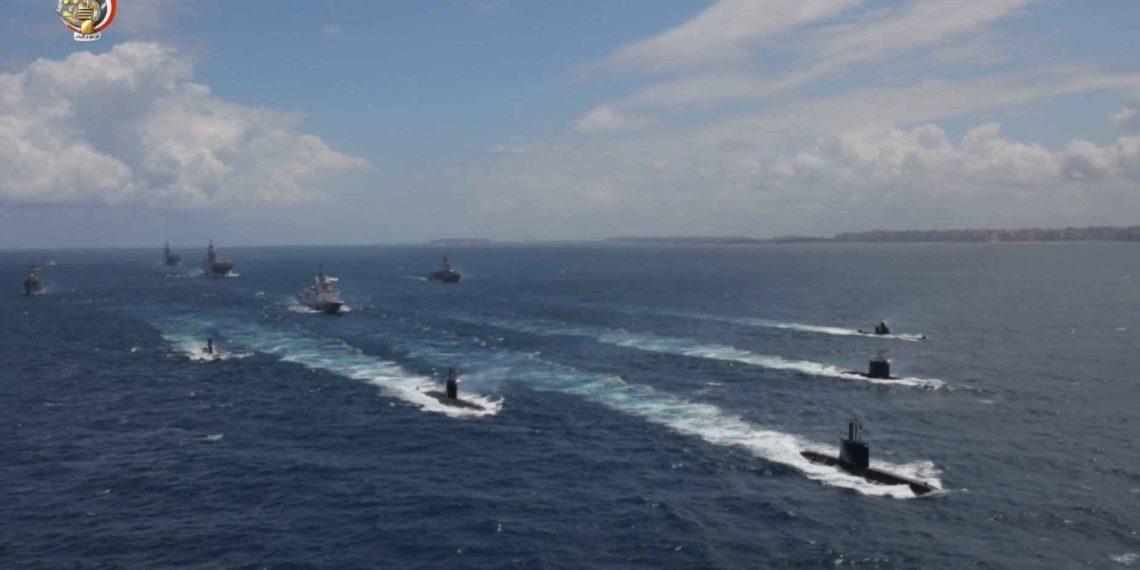 Η Αίγυπτος «κοντράρει» την Τουρκία σε όλα τα μέτωπα: Βγάζει με τη σειρά της πολεμικά πλοία ανοιχτά της Λιβύης (pics/vid)