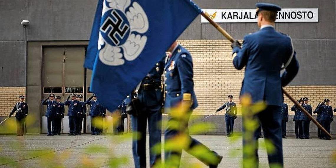 Η Πολεμική Αεροπορία της Φινλανδίας έρχεται στον 21ο αιώνα: Τέλος η σβάστικα από το έμβλημα (pics)