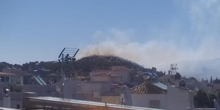 Μεγάλη φωτιά στη Βάρη -Εκκενώθηκαν τα Παιδικά Χωριά SOS