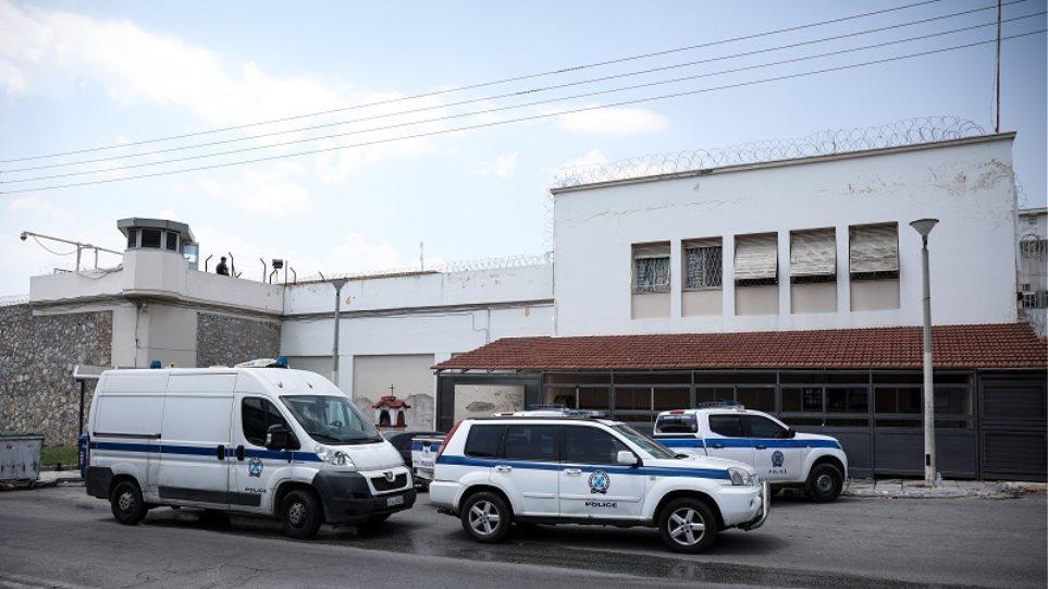 Σουβλάκια, σεξ και… μεθύσια στις φυλακές Κορυδαλλού – Ο ρόλος του Αντώνη του Άραβα