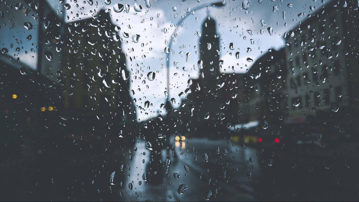 Καιρός: Τοπικές βροχές και καταιγίδες τη Δευτέρα – Πού θα «χτυπήσουν»