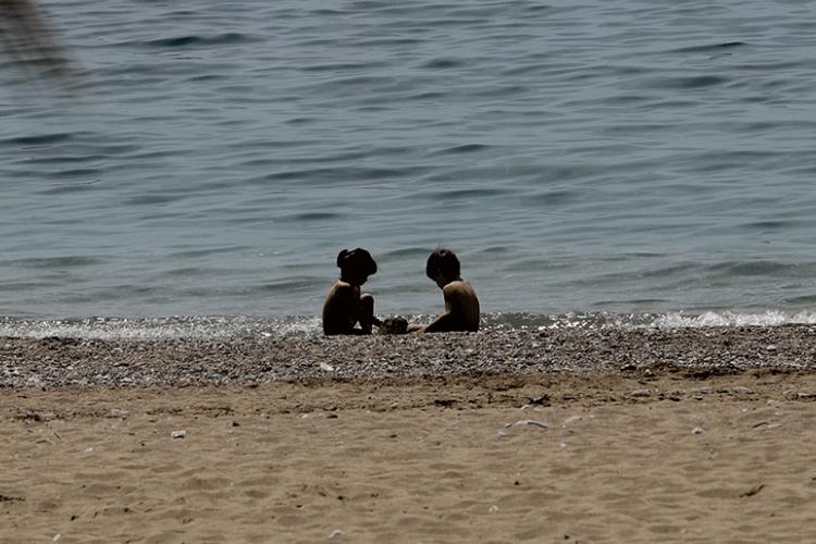 Αχαϊα: Χαμός με συλλήψεις σε παραλία! Ο ξαφνικός έλεγχος των αστυνομικών ξεσκέπασε ένοχα μυστικά
