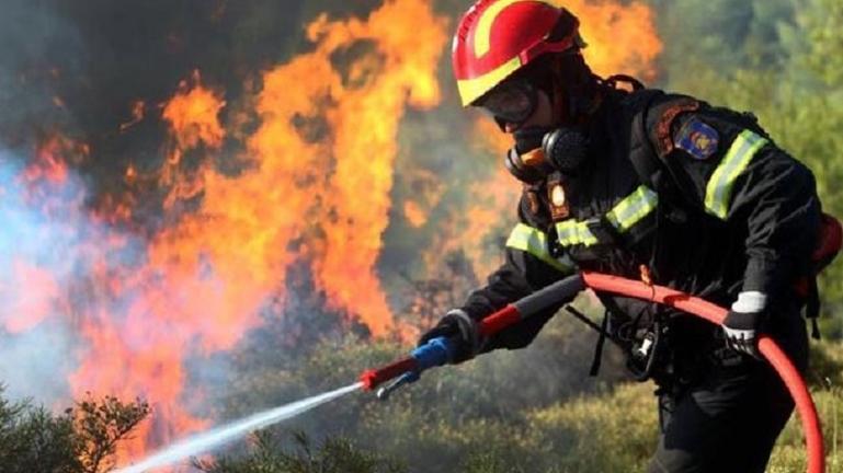 """Στο """"πόδι"""" η Πυροσβεστική Υπηρεσία του Ηρακλείου"""