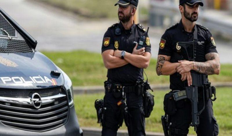 Μουσουλμάνοι τρομοκράτες σχεδίαζαν επιθέσεις στη Βαρκελώνη – Συλλήψεις Αλγερινών