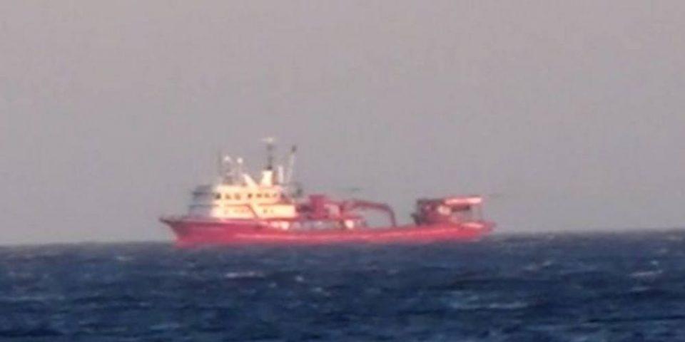 Απίστευτη πρόκληση: Βίντεο – ντοκουμέντο με τουρκικά αλιευτικά να πλέουν ανοιχτά της Μυκόνου