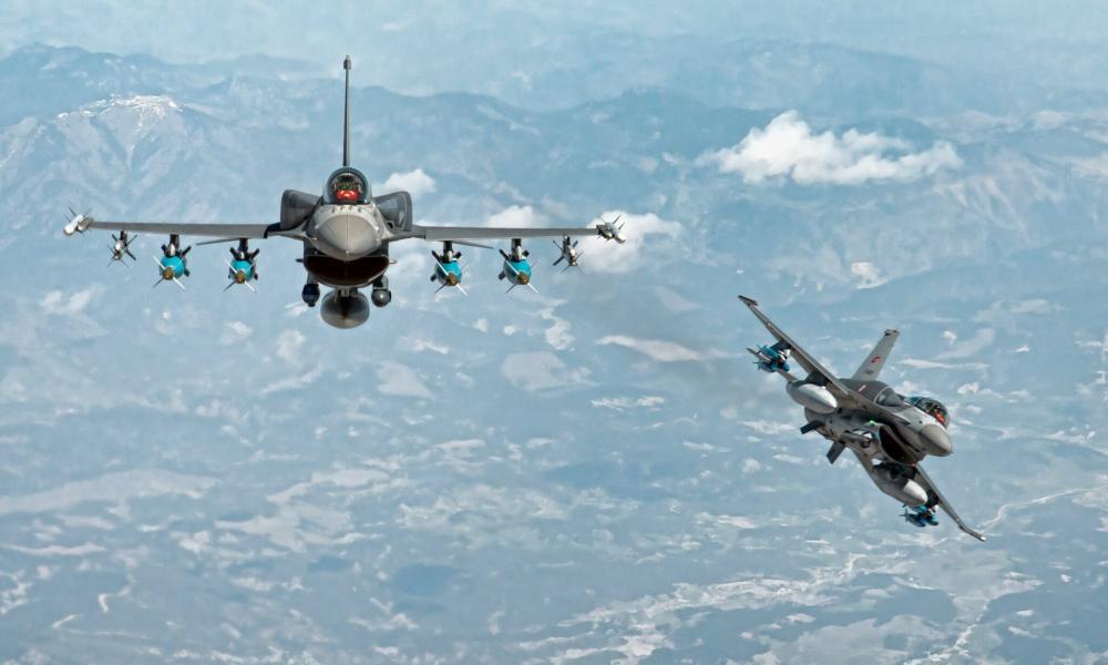 """Η Άγκυρα """"σέρνει"""" την Αρμενία σε πόλεμο: Τουρκικά F-16 πέταξαν προς το Γερεβάν"""