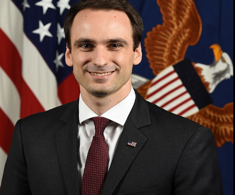 Από την Χίο ο νέος υφυπουργός Άμυνας των ΗΠΑ