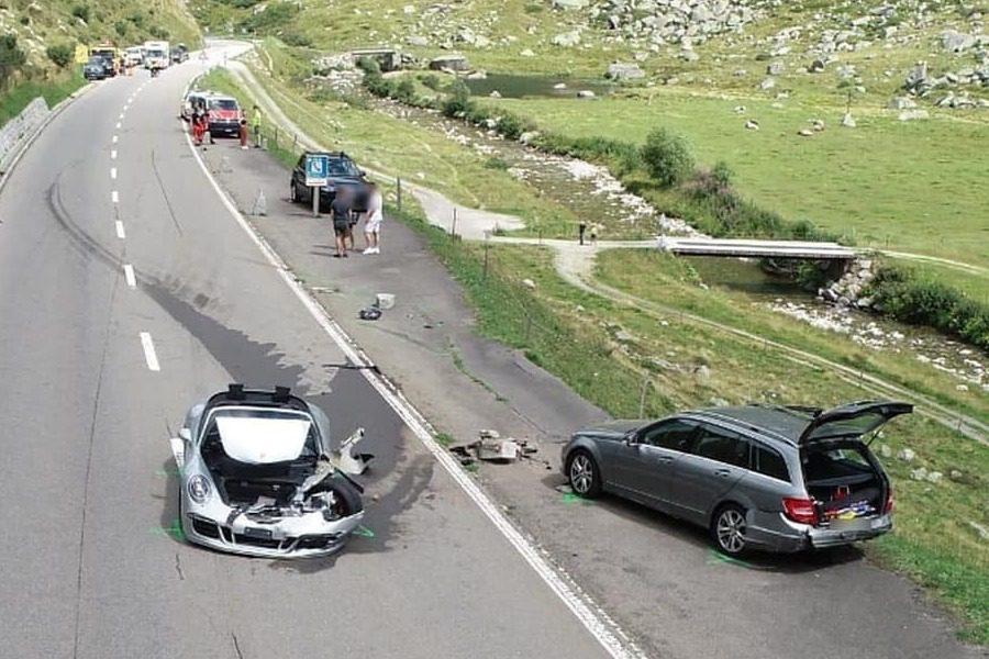 Το τρακάρισμα των 3 εκατ. ευρώ ‑ Το πανάκριβο supercar έγινε σμπαράλια