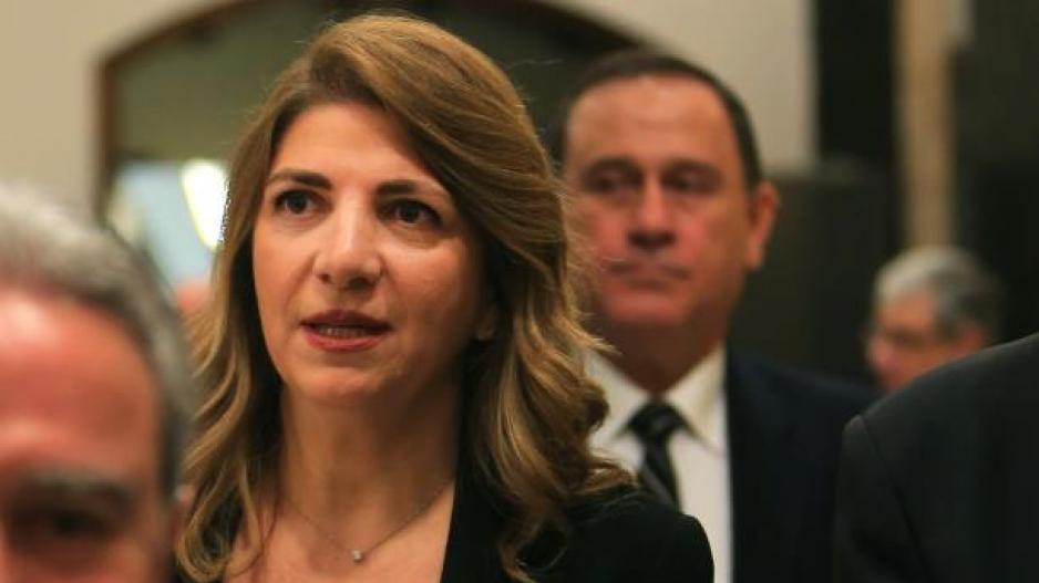 """Τρίτη παραίτηση στη """"σκιά"""" της φονικής έκρηξης στη Βηρυτό"""